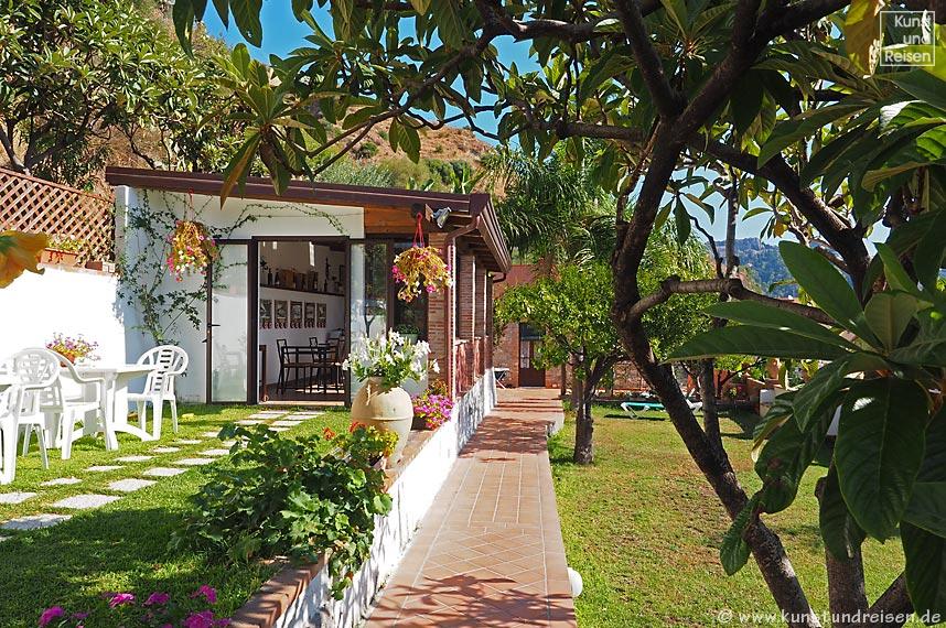 B b in giardini naxos bed and breakfast villa vittoria - B b giardini naxos economici ...