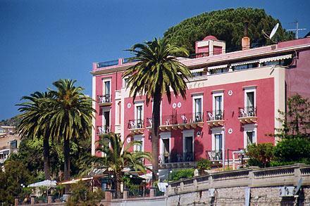 Taormina hotel villa schuler in taormina auf sizilien for Hotel villa taormina